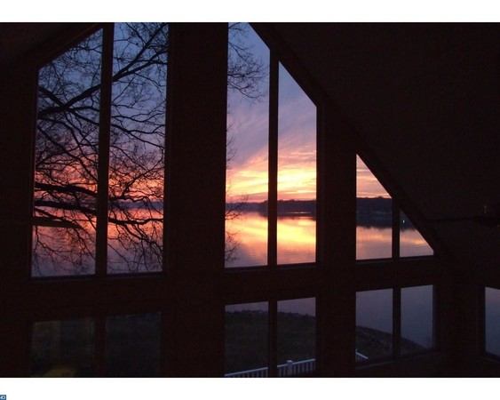 Watch the River Sunsets from Master Bedroom Loft